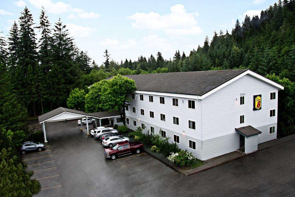 hotels juneau mendenhall glacier